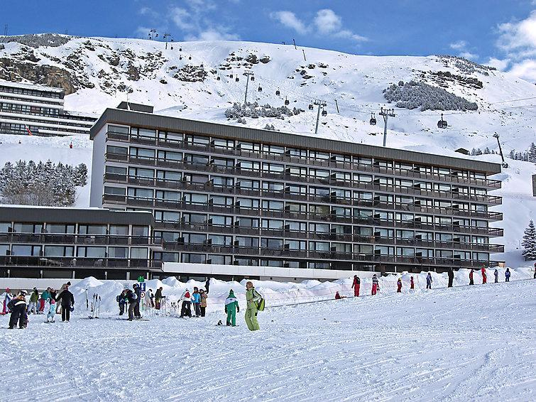 Holiday in mountain resort Aravis - Les Menuires - Winter outside