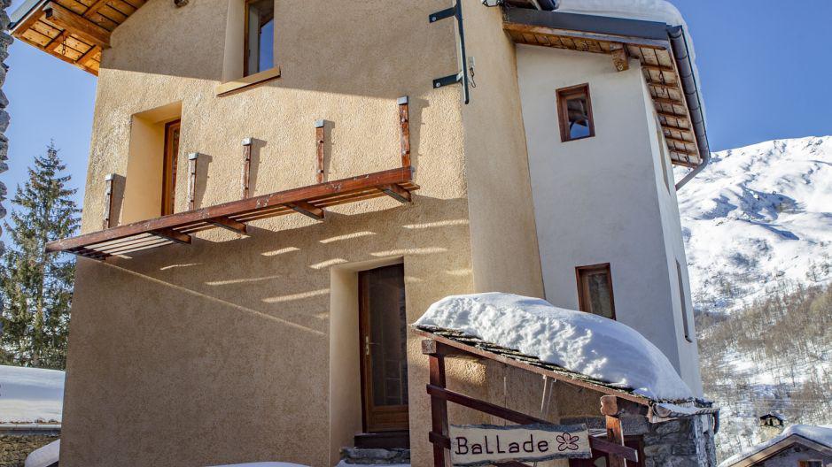 Location au ski Chalet Ballade - Les Menuires - Extérieur hiver