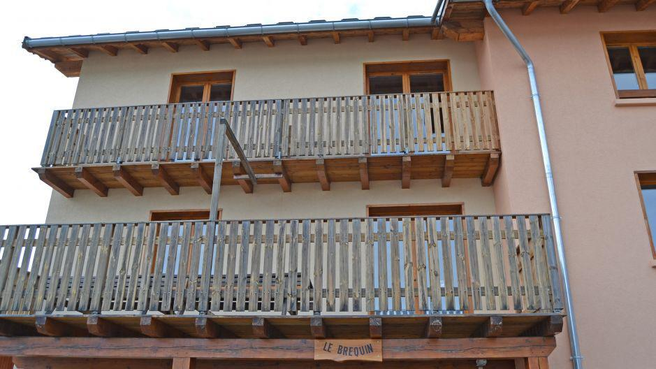 Holiday in mountain resort Chalet Brequin - Les Menuires - Winter outside