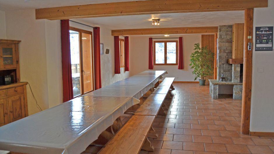 Location au ski Chalet Brequin - Les Menuires - Coin repas