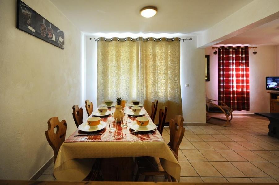 Soggiorno sugli sci Appartamento 3 stanze per 6 persone - Chalet Cristal - Les Menuires - Tavolo