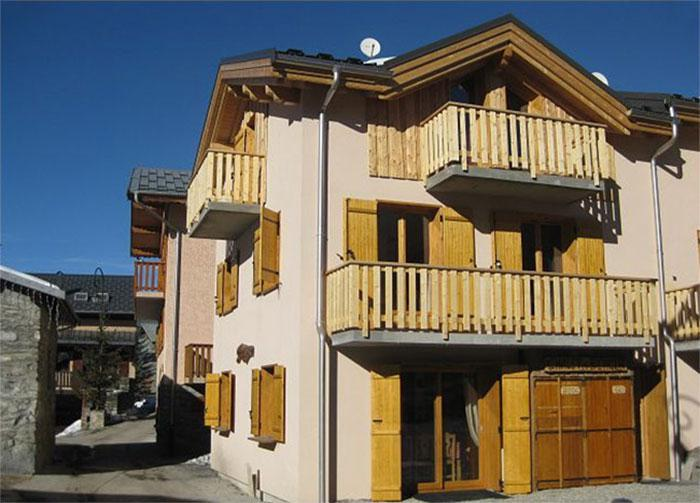 Rent in ski resort Chalet du Berger - Les Menuires - Winter outside