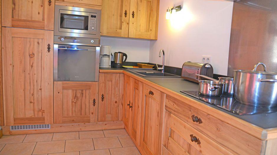 Rent in ski resort Chalet du Berger - Les Menuires - Kitchen