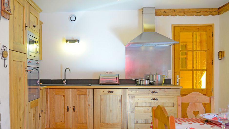 Rent in ski resort Chalet du Berger - Les Menuires - Open-plan kitchen