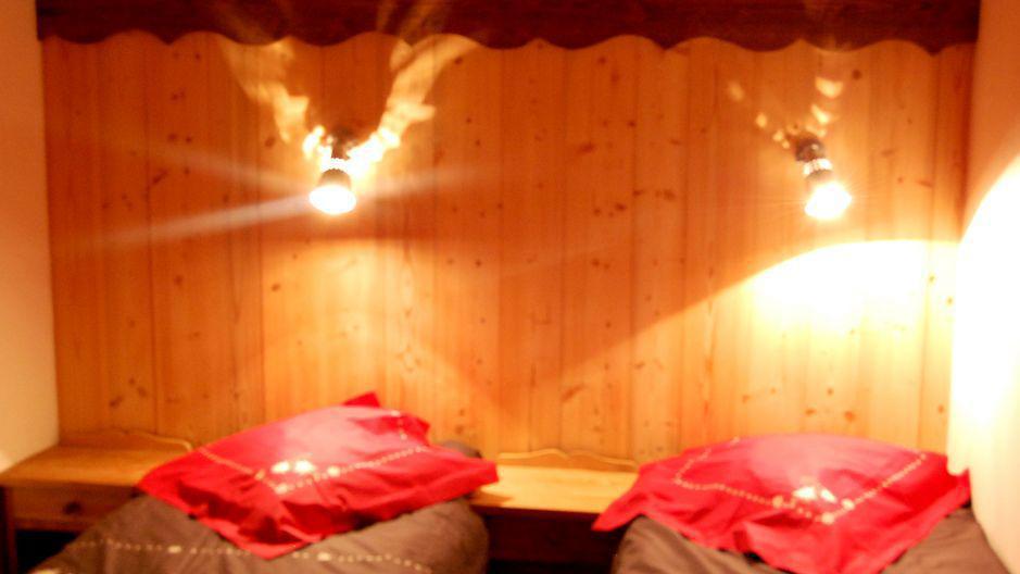 Ski verhuur Chalet Geffriand - Les Menuires - Kamer