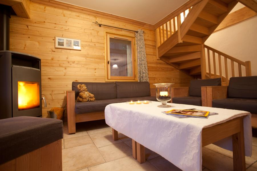 Rent in ski resort Chalet la Dame Blanche - Les Menuires - Living room