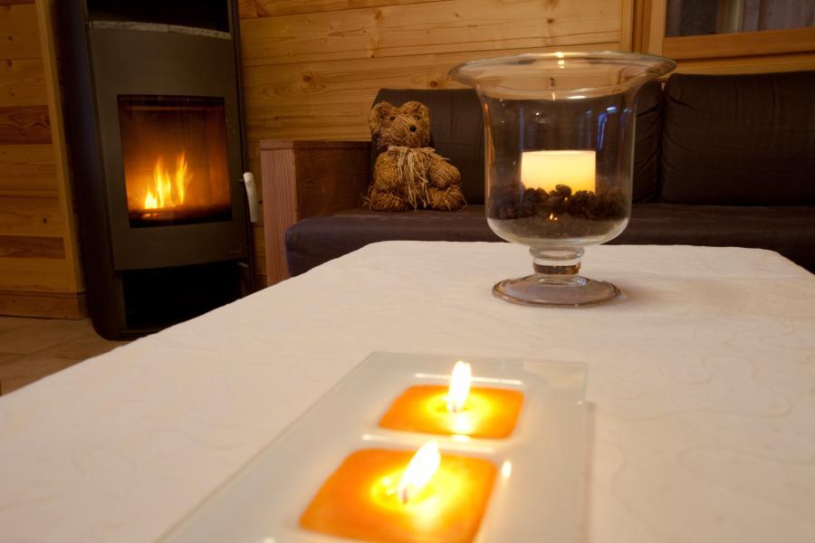 Rent in ski resort Chalet la Dame Blanche - Les Menuires - Stove