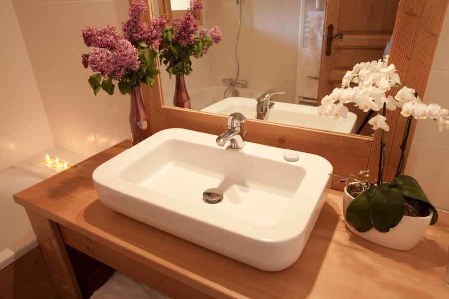 Rent in ski resort Chalet la Dame Blanche - Les Menuires - Wash-hand basin