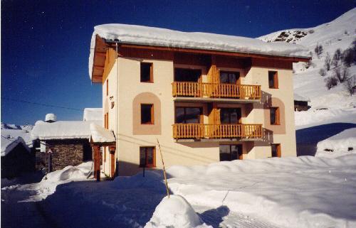 Vakantie in de bergen Chalet le Cristal - Les Menuires - Buiten winter