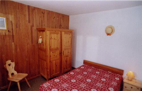 Location au ski Appartement 2 pièces 4 pers +  Appartement 5 pièces 8 pers - Chalet le Génépi - Les Menuires - Lit double