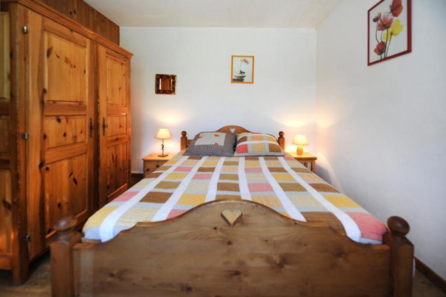 Location au ski Appartement 2 pièces coin montagne 4 personnes - Chalet le Génépi - Les Menuires - Chambre