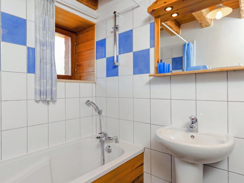 Location au ski Chalet Levassaix - Les Menuires - Salle de bains