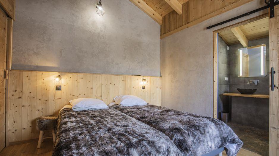 Rent in ski resort Chalet Matangie - Les Menuires - Bedroom