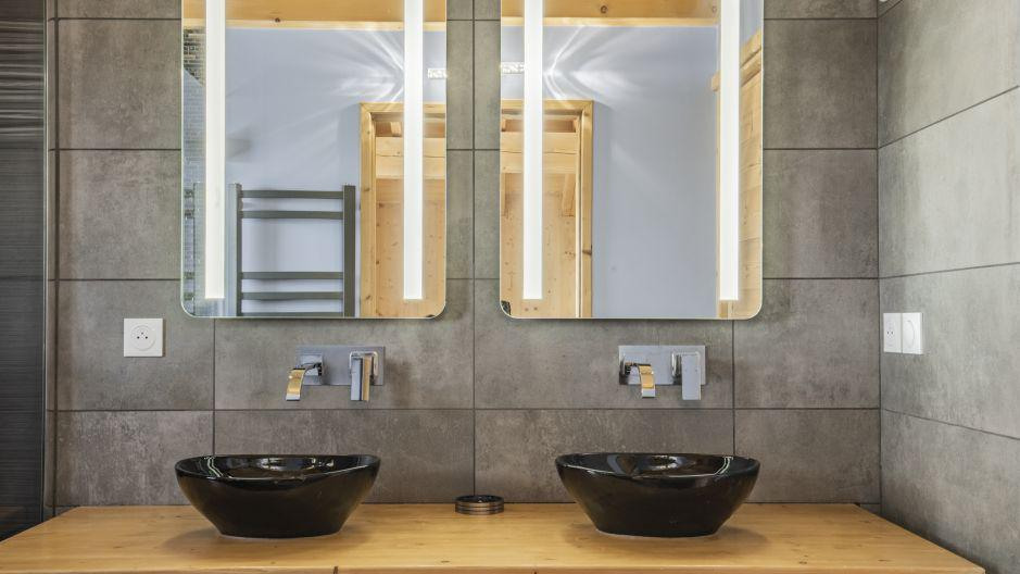 Rent in ski resort Chalet Matangie - Les Menuires - Wash-hand basin