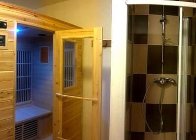 Rent in ski resort Semi-detached 8 room chalet 14 people - Chalet Mil'Ans - Les Menuires - Inside