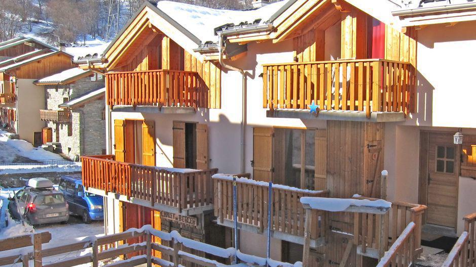 Vacances en montagne Chalet Mil'Ans - Les Menuires - Extérieur hiver