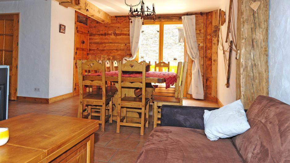 Rent in ski resort Chalet Mil'Ans - Les Menuires - Dining area