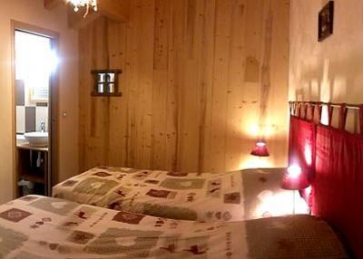 Rent in ski resort Semi-detached 8 room chalet 14 people - Chalet Mil'Ans - Les Menuires - Bedroom