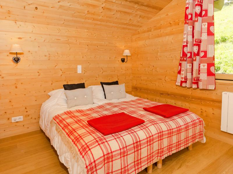 Rent in ski resort Chalet Ski Royal - Les Menuires - Bedroom