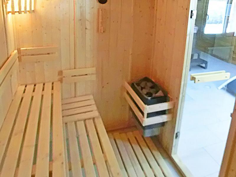 Rent in ski resort Chalet Ski Royal - Les Menuires - Sauna