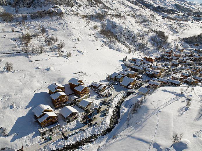 Location au ski Chalets du Doron - Les Menuires - Extérieur hiver