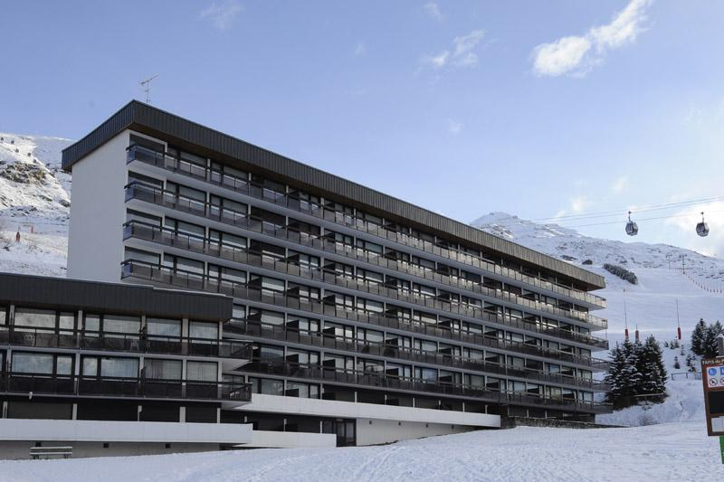 Vacances en montagne La Résidence Aravis - Les Menuires - Extérieur hiver