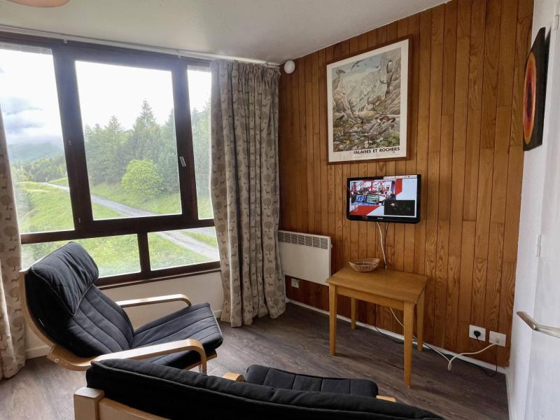 Location au ski Studio coin montagne 4 personnes (820) - La Résidence Caron - Les Menuires