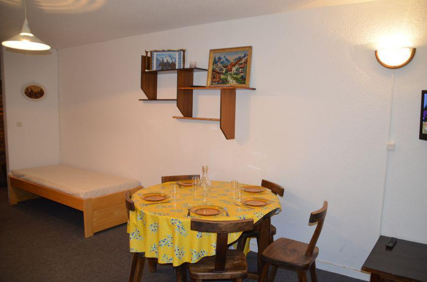 Location au ski Appartement 2 pièces 5 personnes (201) - La Résidence Caron - Les Menuires - Appartement