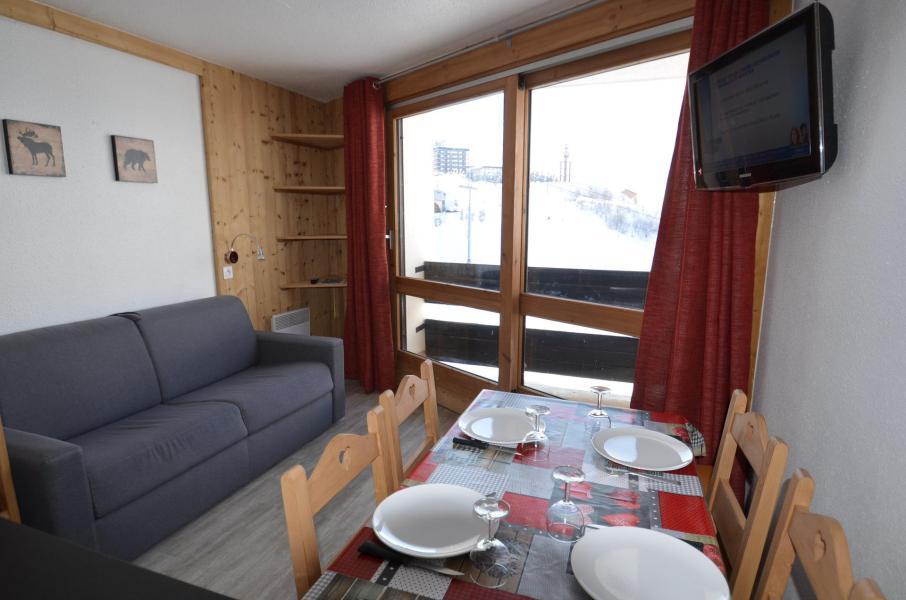 Location au ski Studio 3 personnes (910) - La Résidence Caron - Les Menuires - Appartement