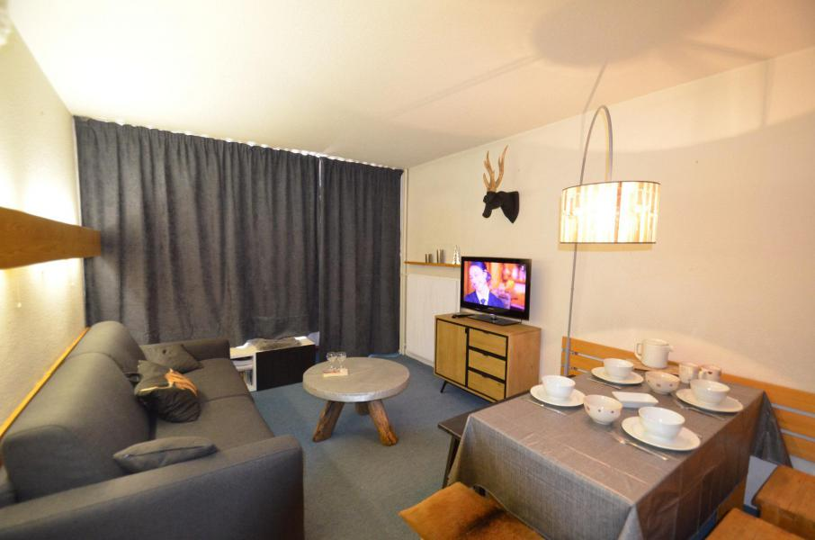 Location au ski Appartement 2 pièces 4 personnes (223) - La Résidence Chavière - Les Menuires - Table