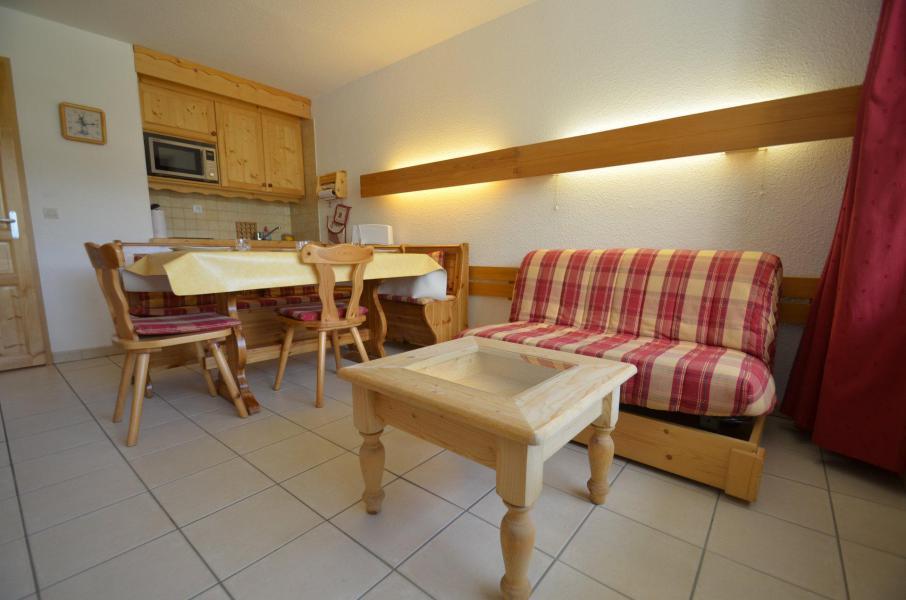 Location au ski Studio coin montagne 5 personnes (714) - La Résidence Chavière - Les Menuires - Table