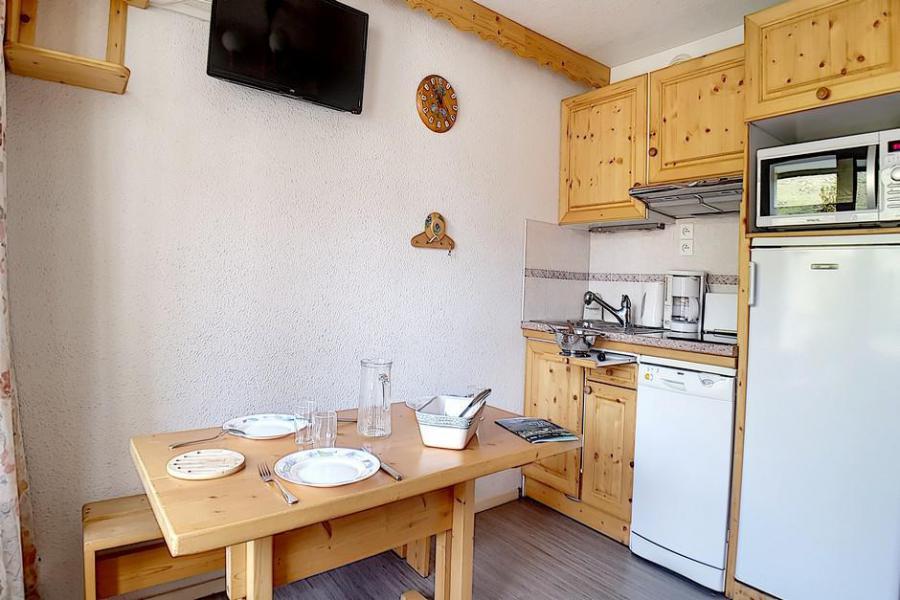 Location au ski Studio cabine 4 personnes (321) - La Résidence les Gentianes - Les Menuires - Coin repas