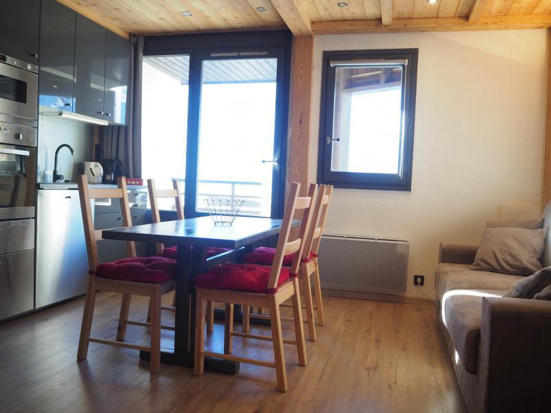 Location au ski Studio coin montagne 4 personnes (0412) - La Résidence les Gentianes - Les Menuires - Table