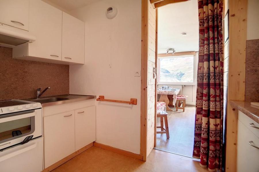 Holiday in mountain resort 2 room duplex apartment 5 people (E18) - La Résidence les Lauzes - Les Menuires - Winter outside