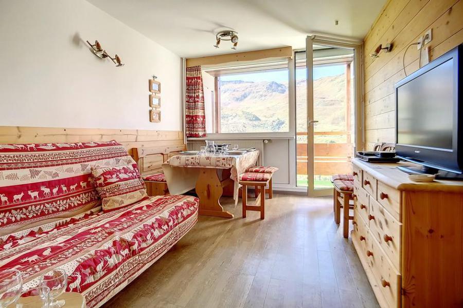 Wynajem na narty Apartament duplex 2 pokojowy 5 osób (E18) - La Résidence les Lauzes - Les Menuires - Pokój gościnny