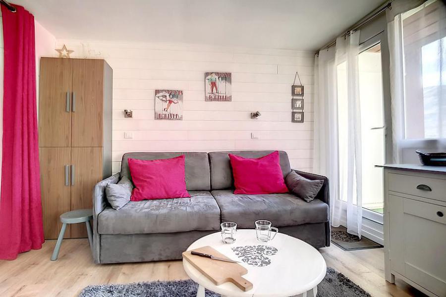 Location au ski Studio 4 personnes (C1) - La Residence Les Lauzes - Les Menuires - Table