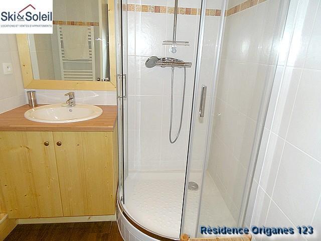 Alquiler apartamento 3 piezas cabina para 5 personas 123 for Piezas ducha