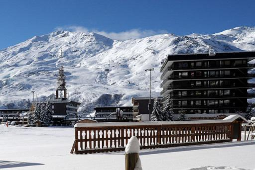 Vacaciones en montaña La Résidence Oisans - Les Menuires - Invierno