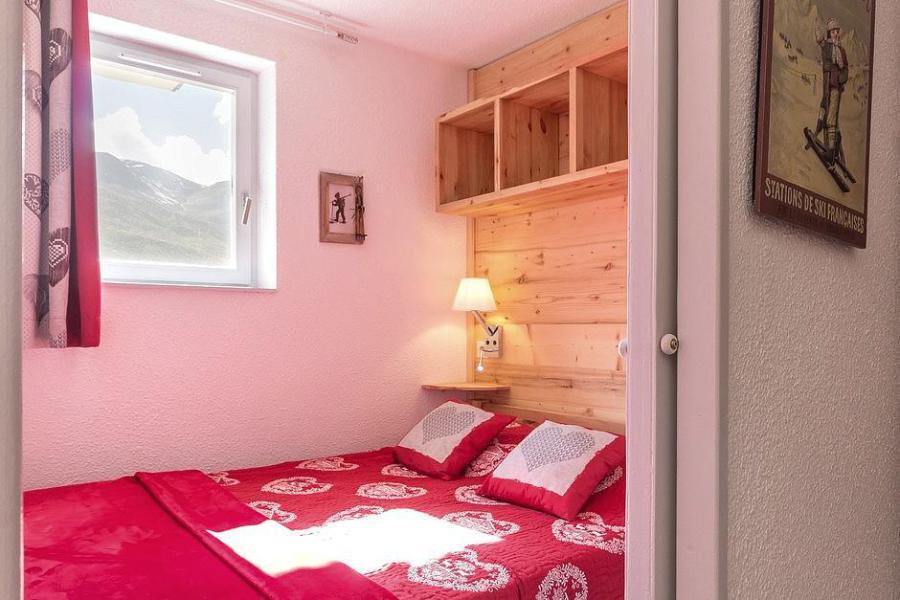 Soggiorno sugli sci Appartamento 2 stanze con alcova per 4 persone (2102) - La Résidence Ski Soleil - Les Menuires - Letto matrimoniale