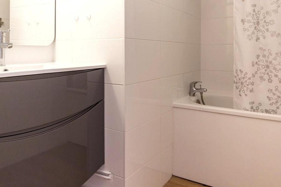 Soggiorno sugli sci Appartamento 2 stanze con alcova per 4 persone (2102) - La Résidence Ski Soleil - Les Menuires - Vasca da bagno