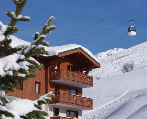 les chalets de l adonis 40 les menuires location vacances ski les menuires ski planet