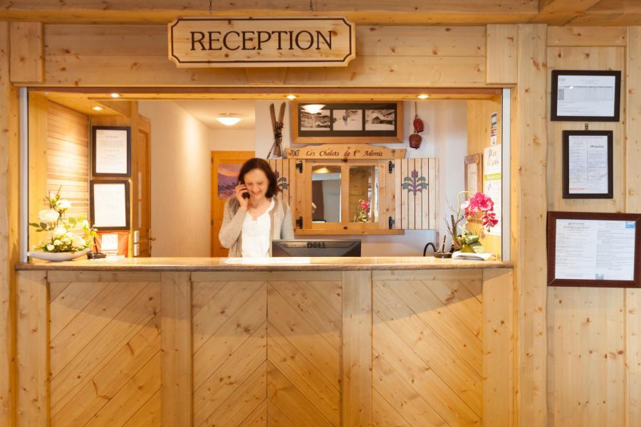 Location au ski Les Chalets de l'Adonis - Les Menuires - Réception