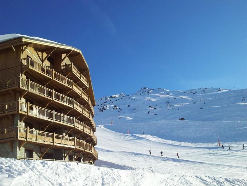 Location au ski Les Chalets Du Soleil Contemporains - Les Menuires - Extérieur hiver