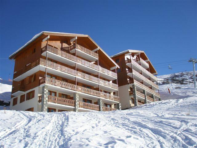 Vacances en montagne Les Côtes d'Or Chalet Argentière - Les Menuires - Extérieur hiver