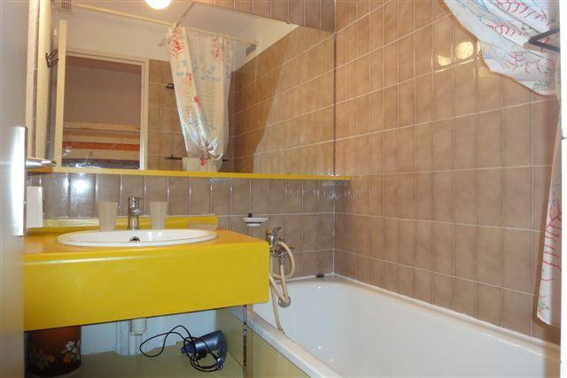Location au ski Studio 4 personnes (802) - Residence Boedette - Les Menuires - Salle de bains