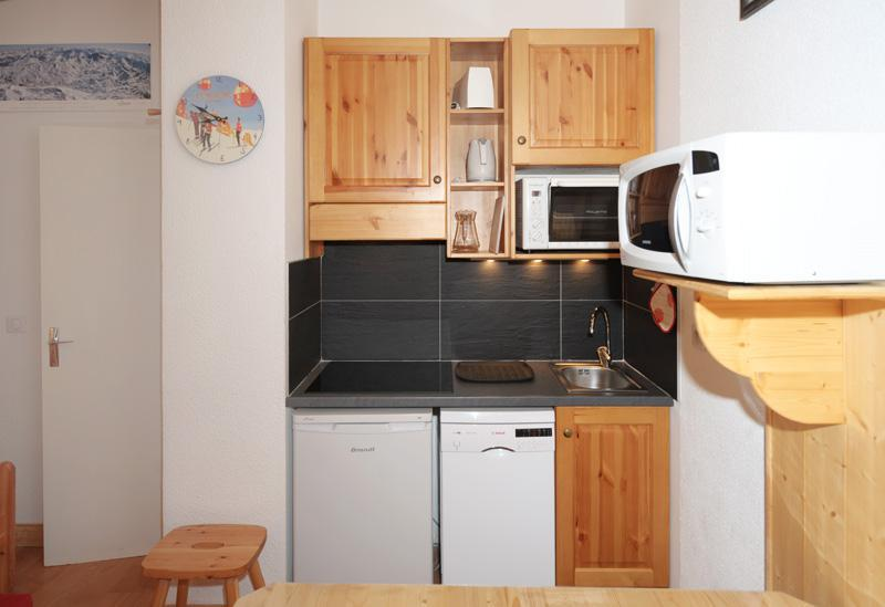 Location au ski Studio cabine 4 personnes (081) - Residence Carlines Ii - Les Menuires - Kitchenette