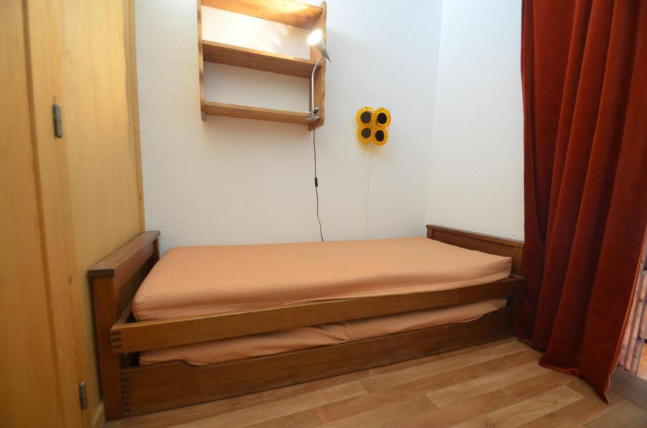 Location au ski Appartement triplex 3 pièces 7 personnes (835) - Résidence Challe - Les Menuires - Chambre