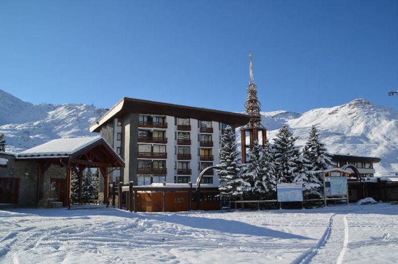 Vakantie in de bergen Résidence Chanteneige - Les Menuires - Buiten winter