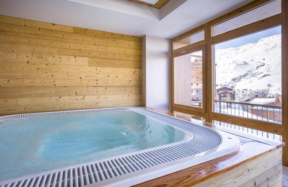 Location au ski Résidence Club MMV le Coeur des Loges - Les Menuires - Jacuzzi