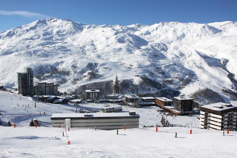 Location au ski Résidence des Dorons - Les Menuires - Extérieur hiver